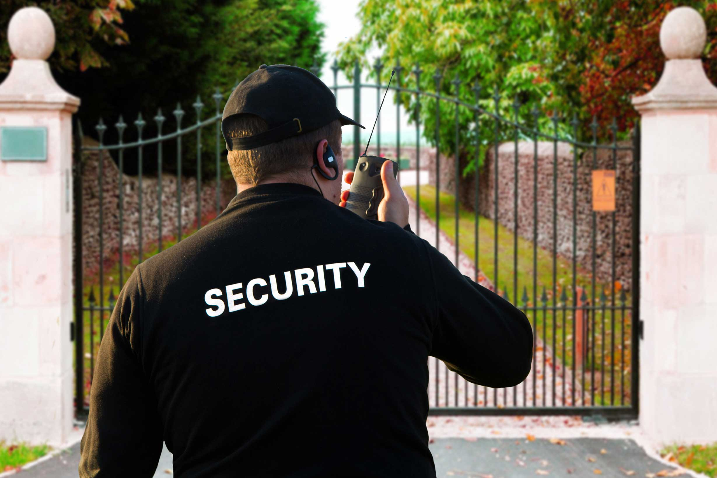 How to Choose A Security Guard: Five Top Tips?