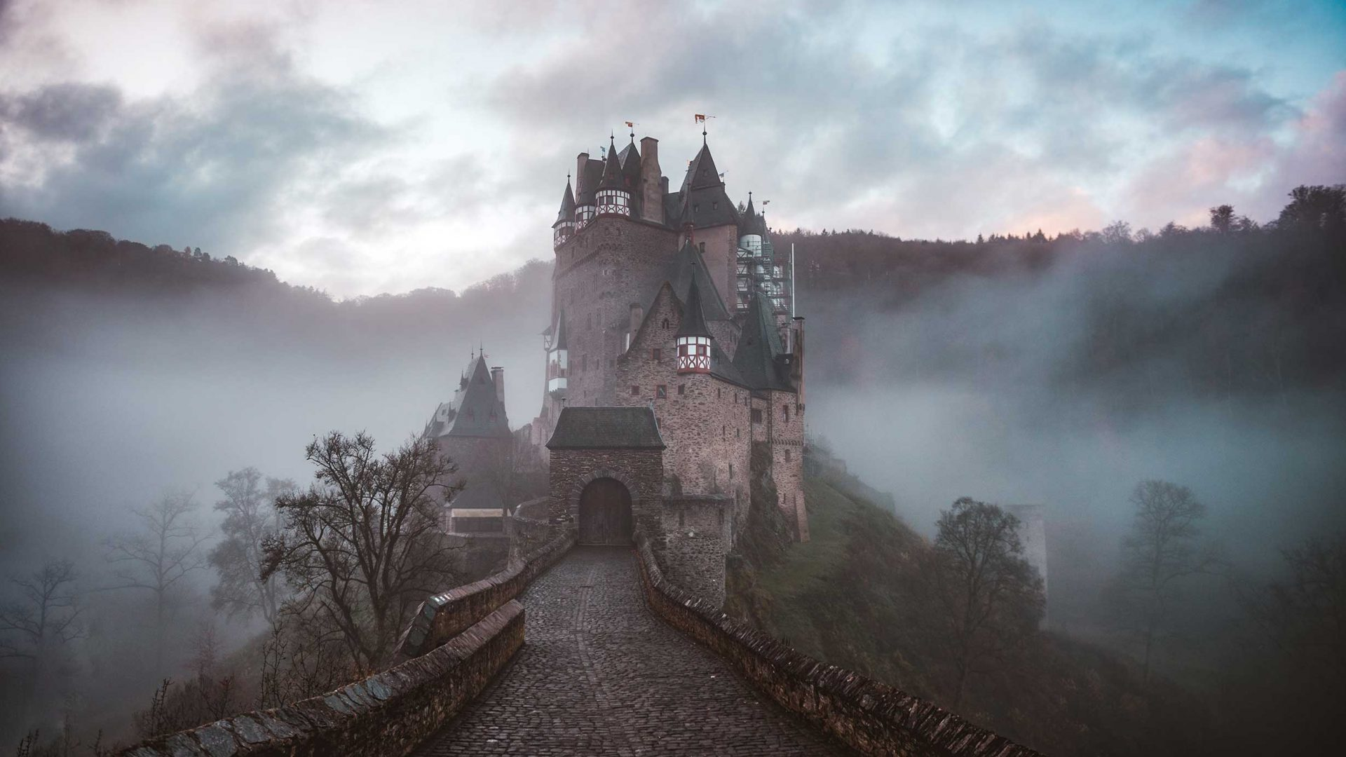 7 of the Most Haunted Places Around the World